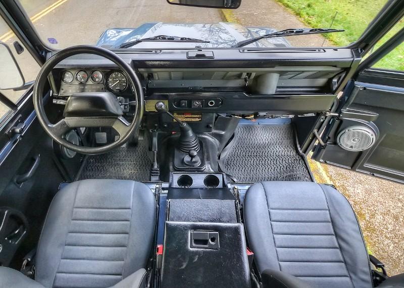 1994 Land Rover Defender Image 10