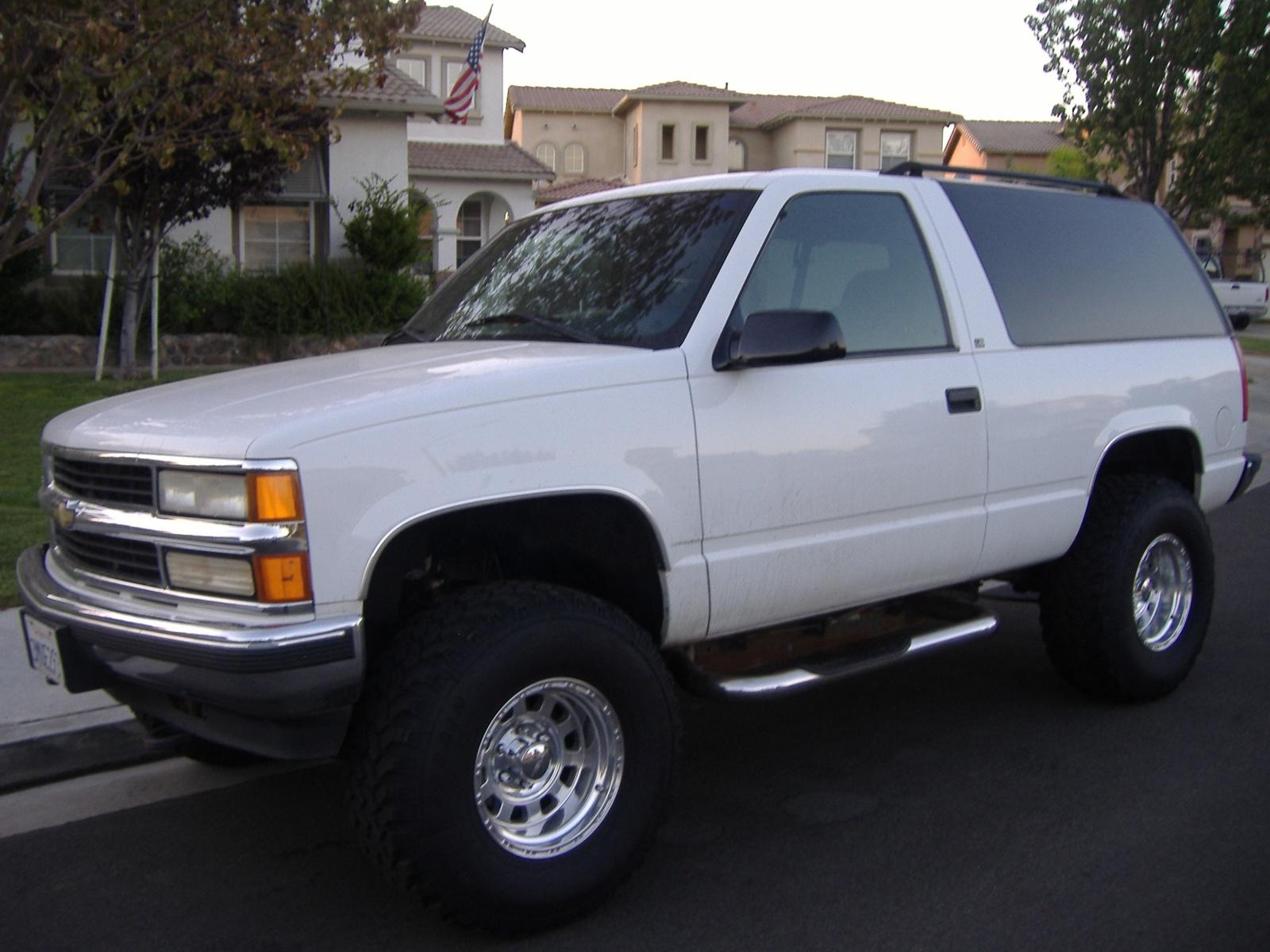 1995 Chevrolet Tahoe Image 8