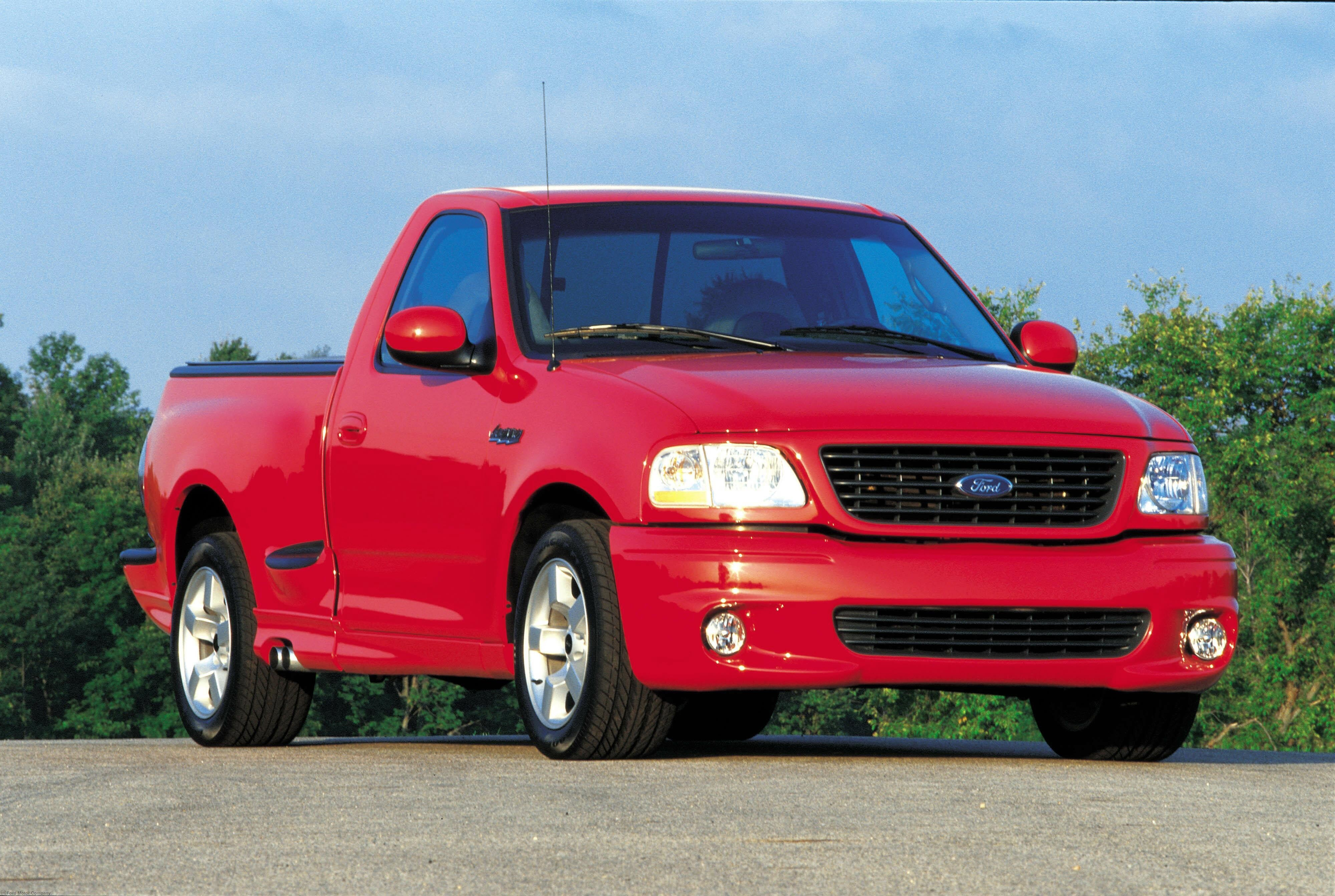 Ford F-150 SVT Lightning #10