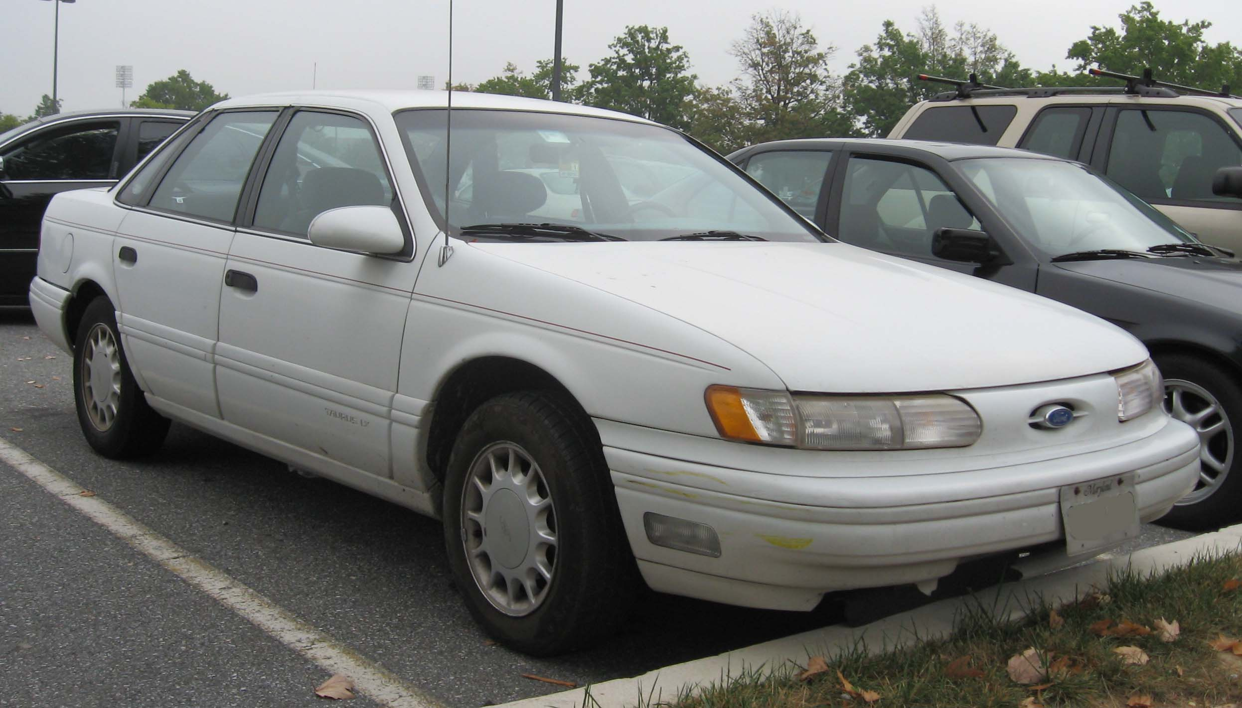 1995 ford taurus image 4