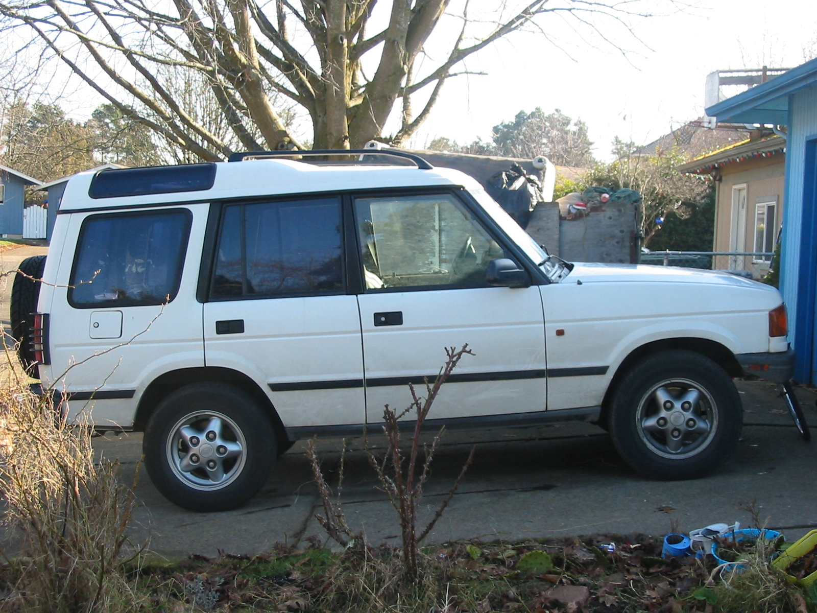 1995 Land Rover Discovery - Information and photos - ZombieDrive