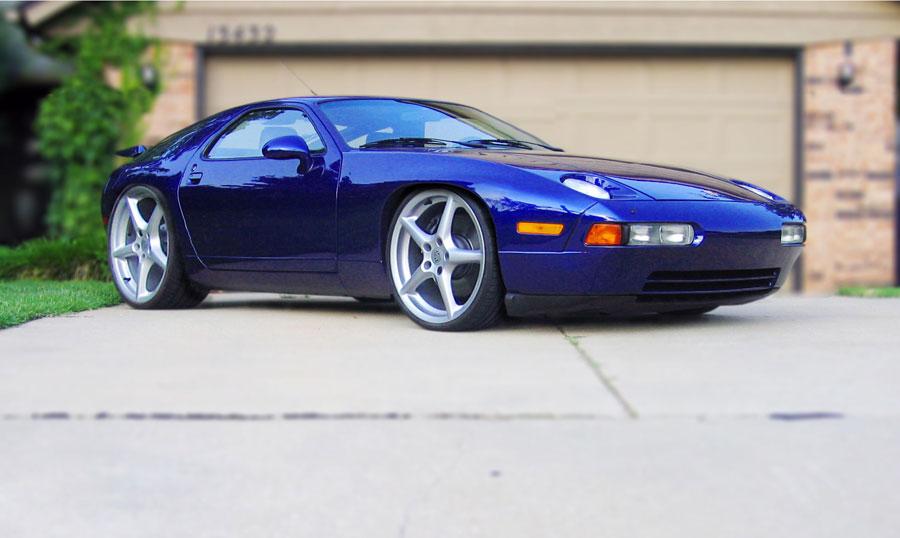 1995 Porsche 928 Image 5