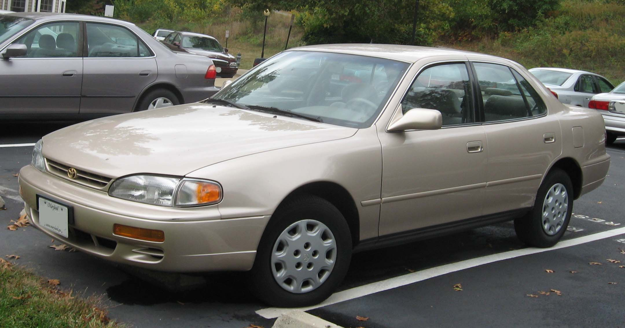 1995 Toyota Camry Image 1
