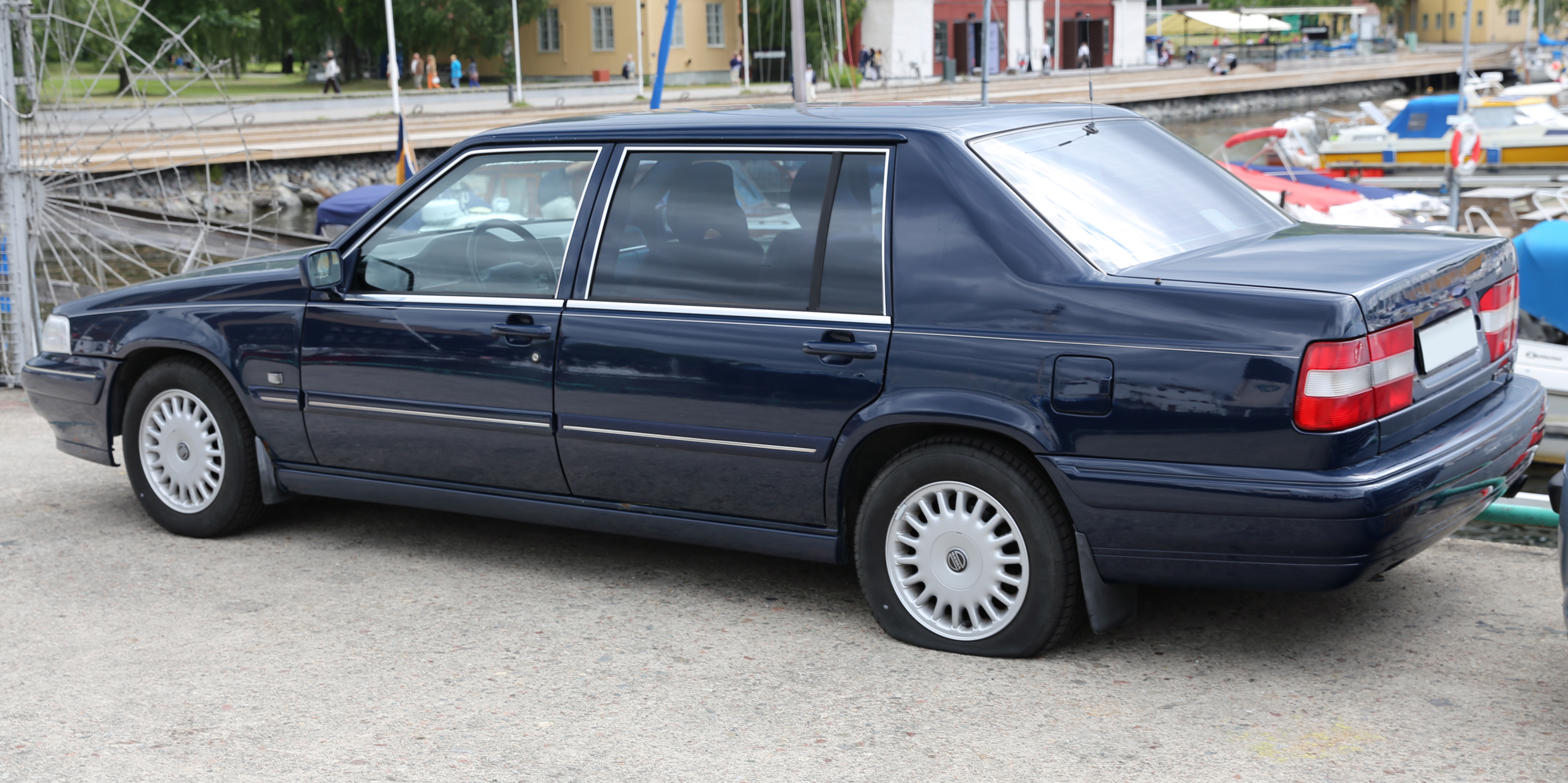 1995 volvo 960 information and photos zombiedrive. Black Bedroom Furniture Sets. Home Design Ideas