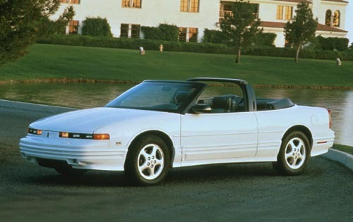 1994 Oldsmobile Cutlass S exterior #3