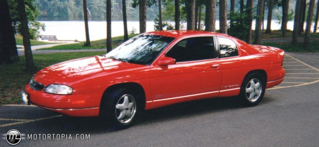 1996 Chevrolet Monte Carlo Image 2
