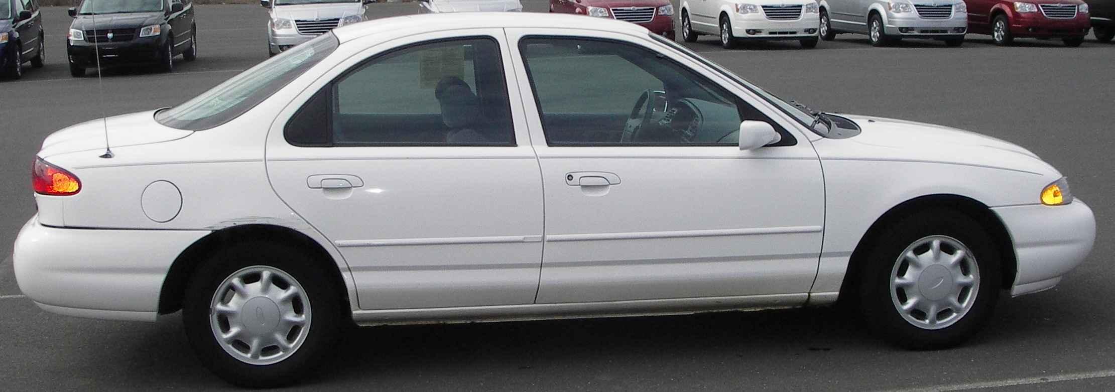 1996 Ford Contour Image 10