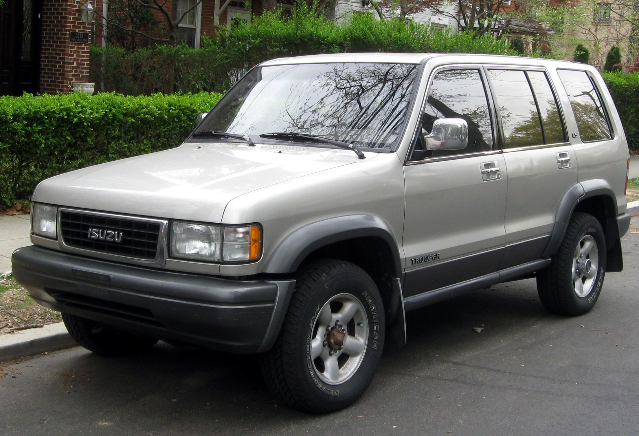 1996 Isuzu Trooper - Information and photos - ZombieDrive