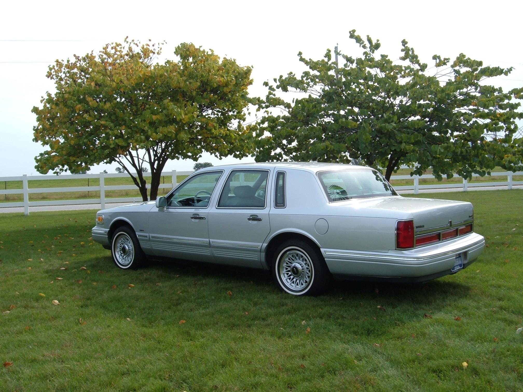 1996 Lincoln Town Car 2
