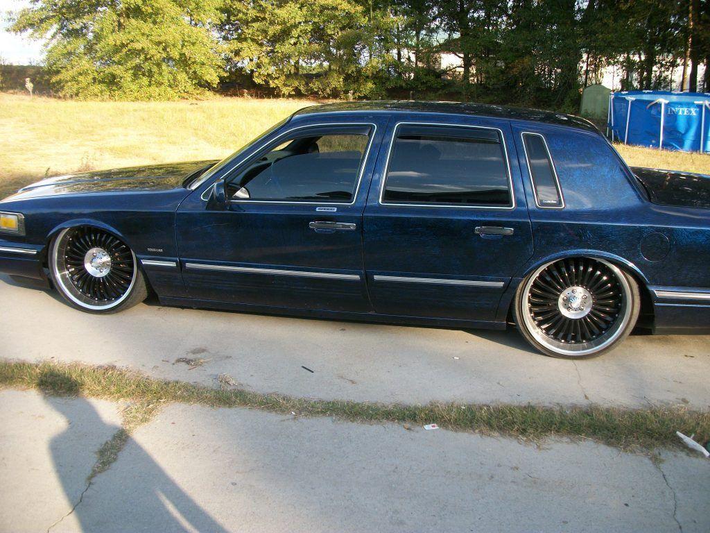 Lincoln Town Car 5