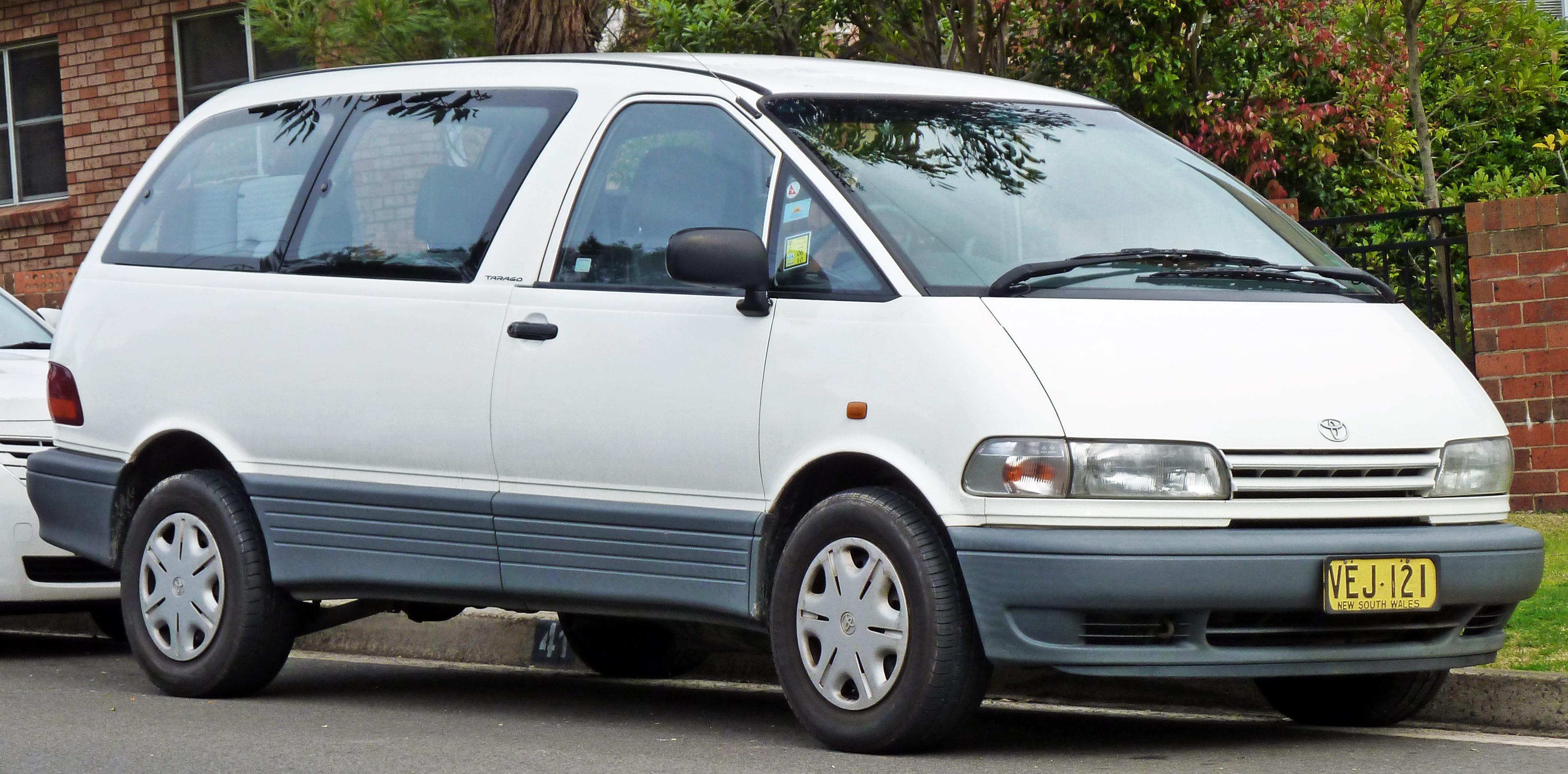 1996 Toyota Previa Image 9