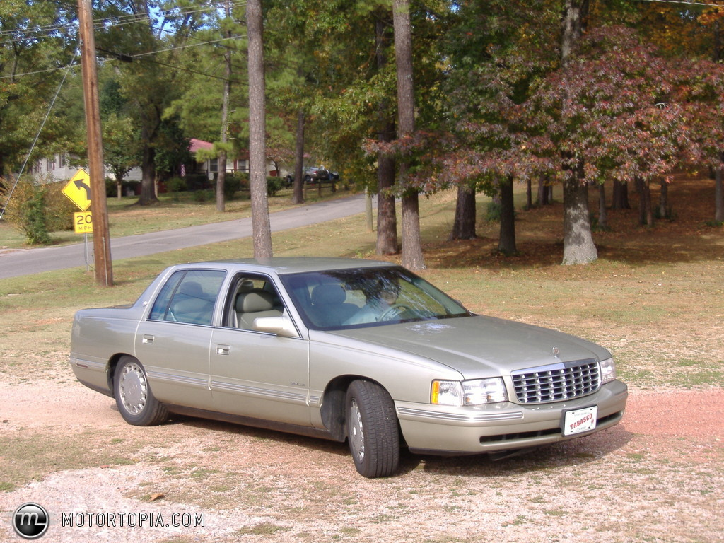 1997 Cadillac DeVille - Information and photos - ZombieDrive