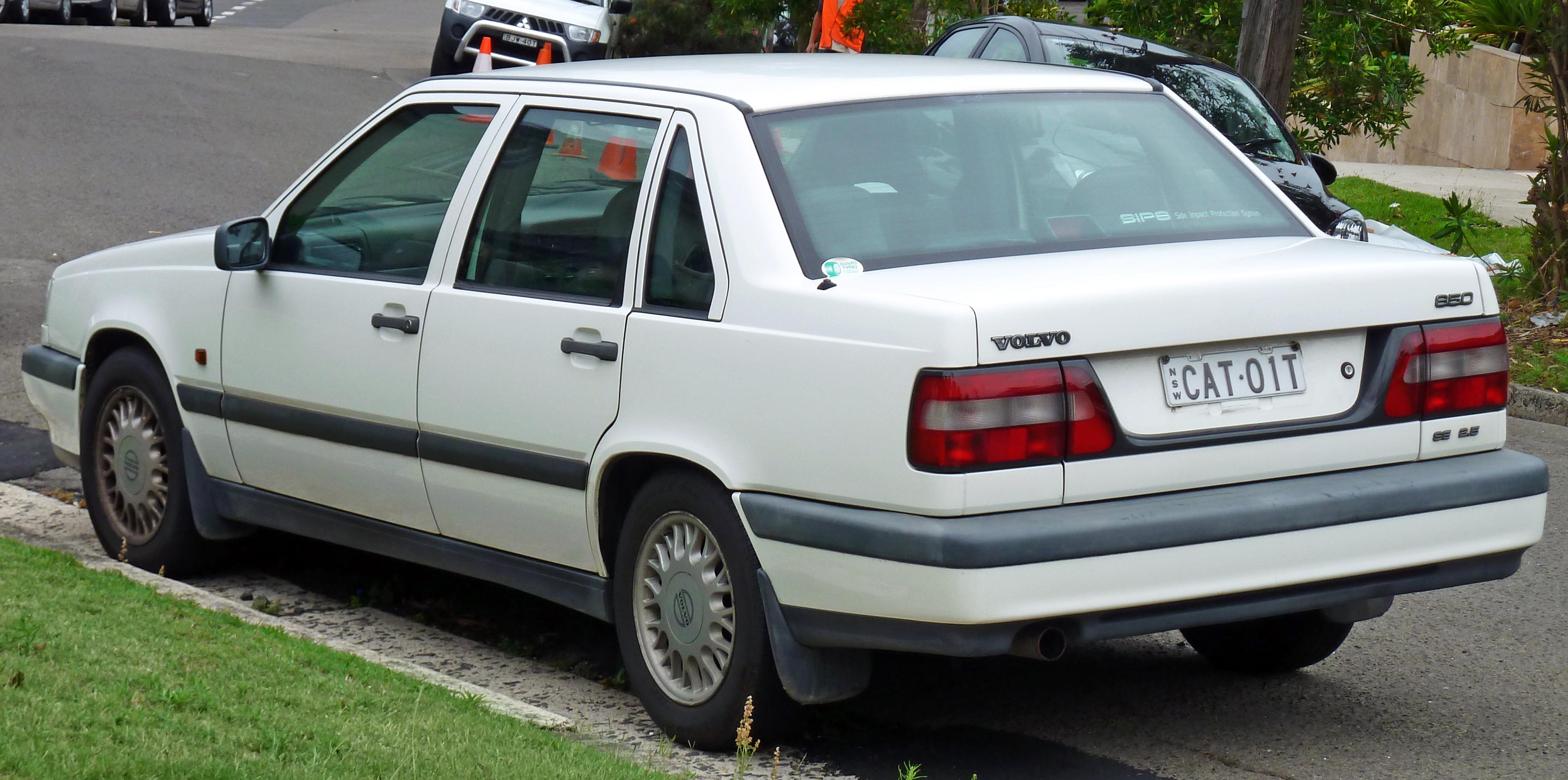 1993-97 Volvo 850 | Consumer Guide Auto