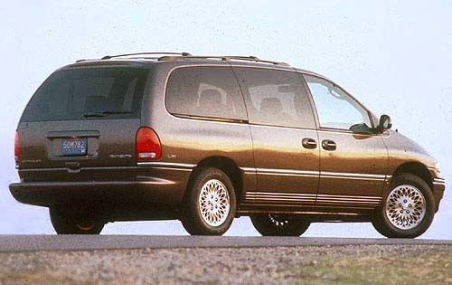 1997 Chrysler Town and Co interior #3