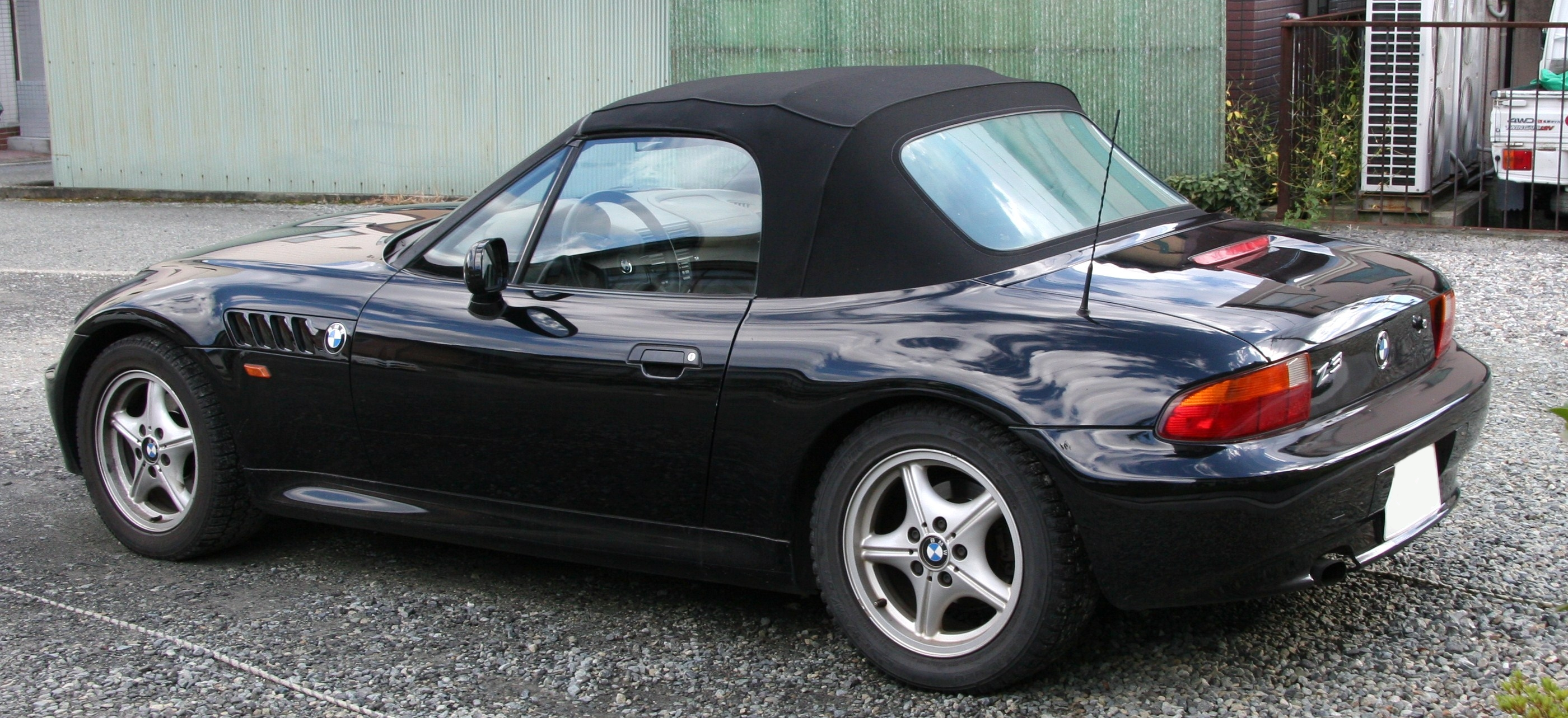 1998 bmw z3 information and photos zombiedrive. Black Bedroom Furniture Sets. Home Design Ideas