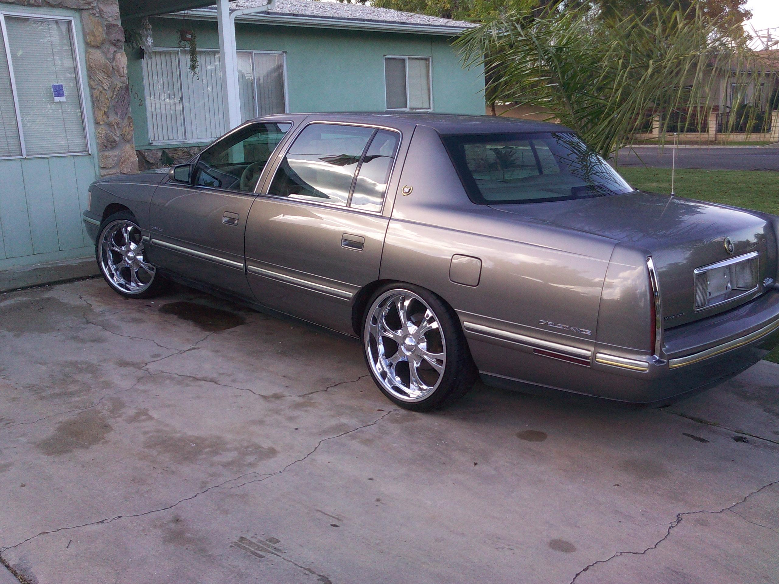 1998 Cadillac DeVille - Information and photos - ZombieDrive