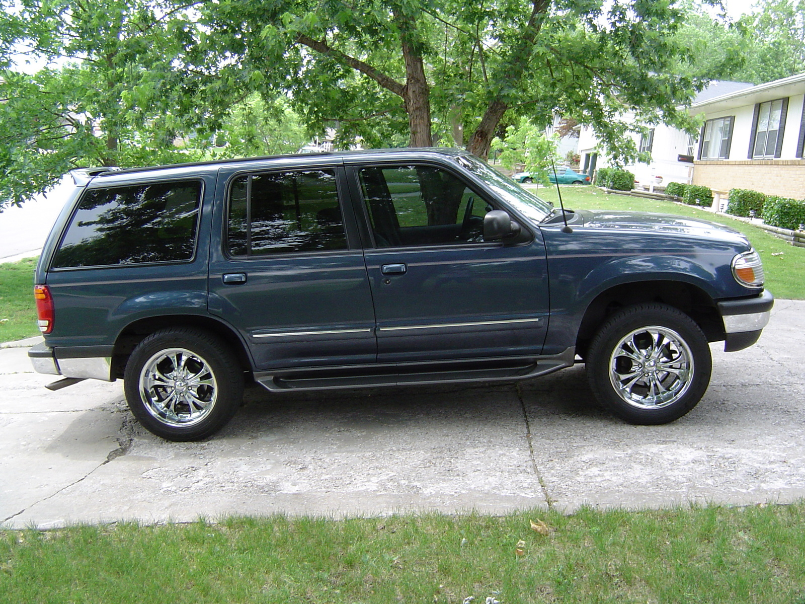 1998 ford explorer image 8