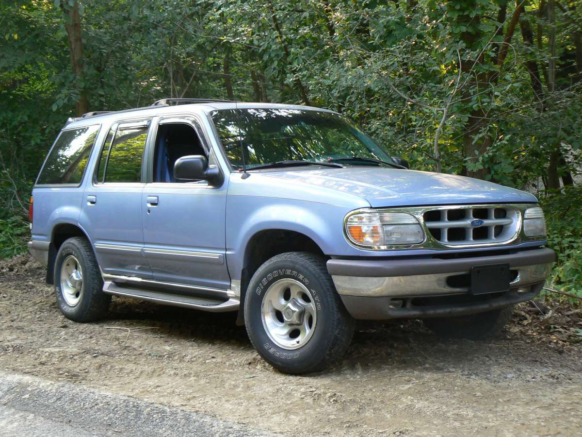 1998 ford explorer image 2