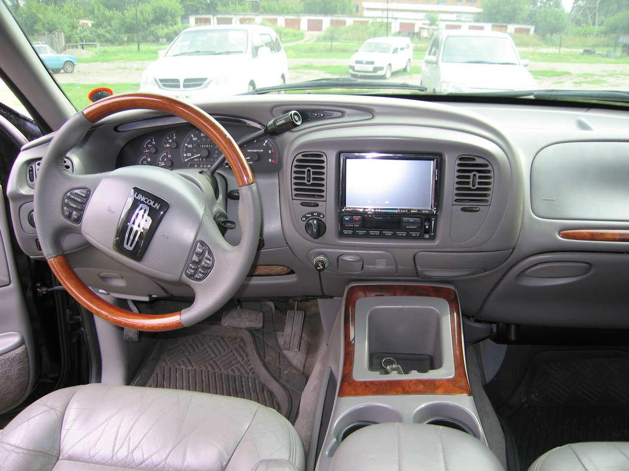 1998 Lincoln Navigator - Information And Photos