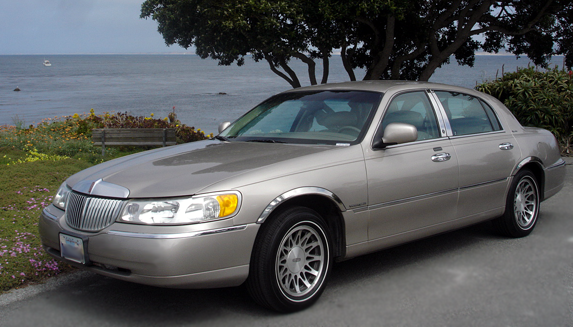 1998 Lincoln Town Car Information And Photos Zombiedrive
