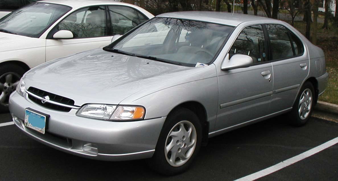 1998 Nissan Altima Image 1