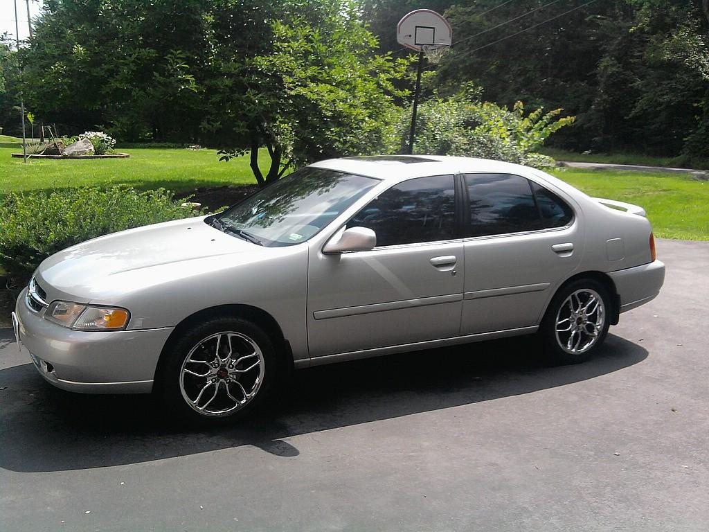 1998 Nissan Altima Image 2