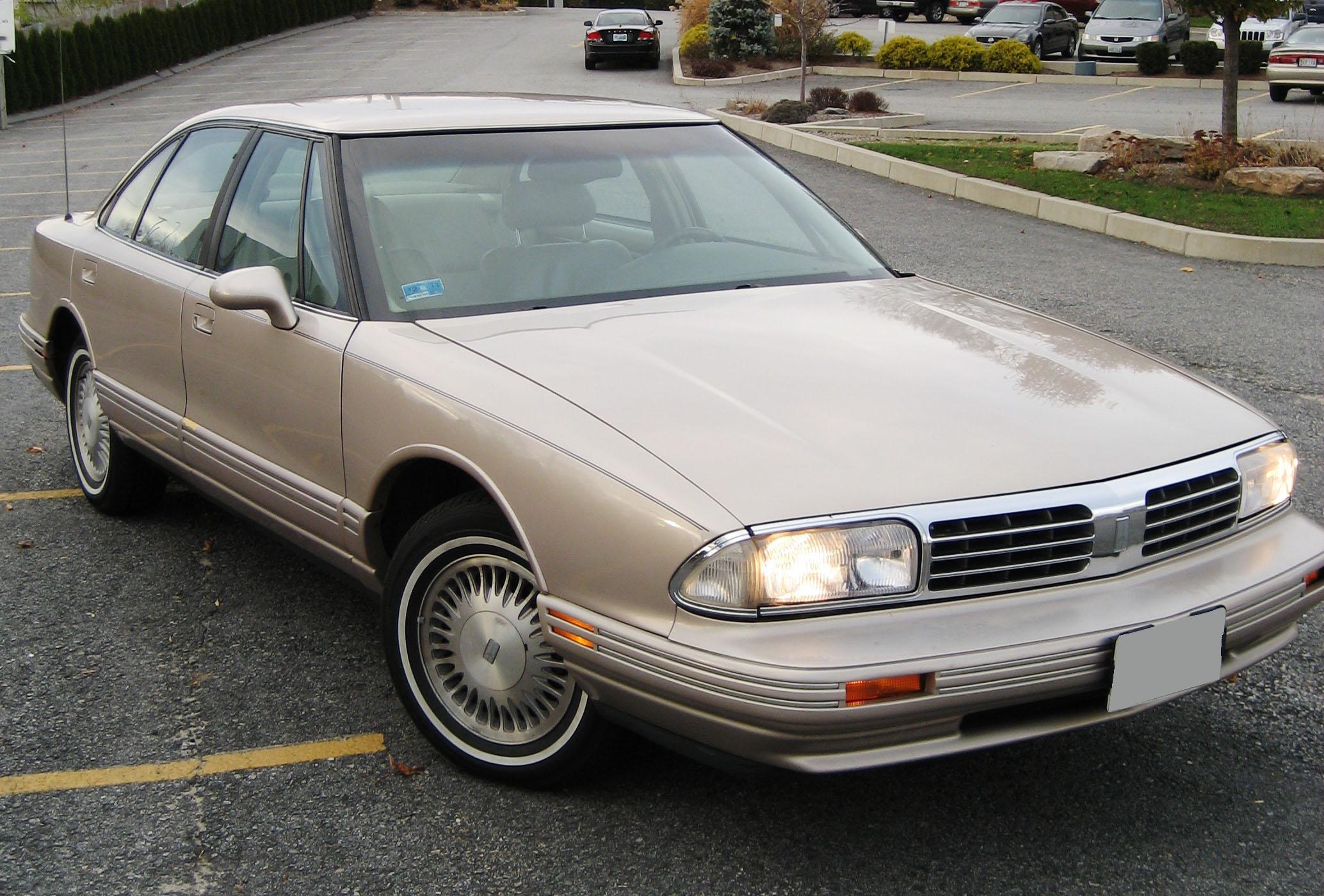 1998 Oldsmobile Regency 12 Oldsmobile Regency 12