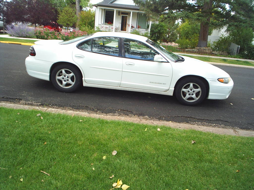 1998 Pontiac Grand Prix Image 9 Am