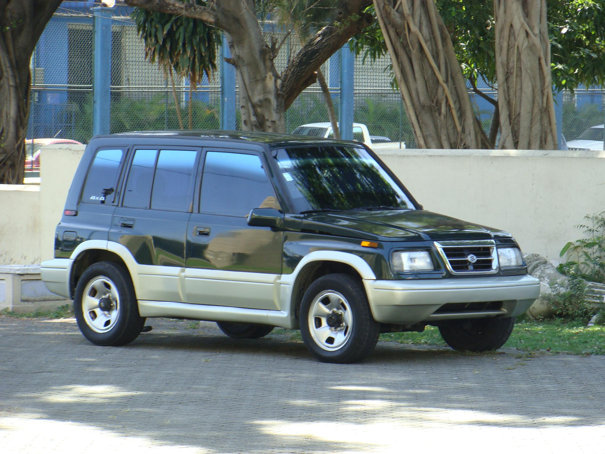 2000 Suzuki Sidekick - Suzuki Sidekick Suzuki Sidekick - 2000 Suzuki Sidekick