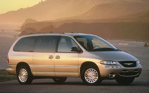 1997 Chrysler Town and Co exterior #1