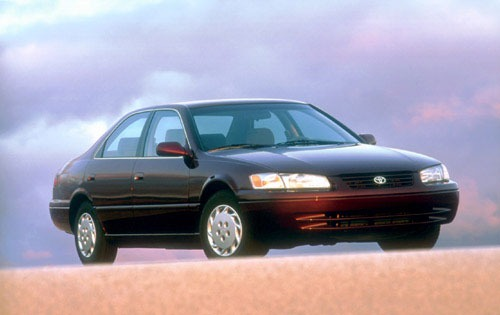 1998 Toyota Camry 4 Dr LE exterior #2