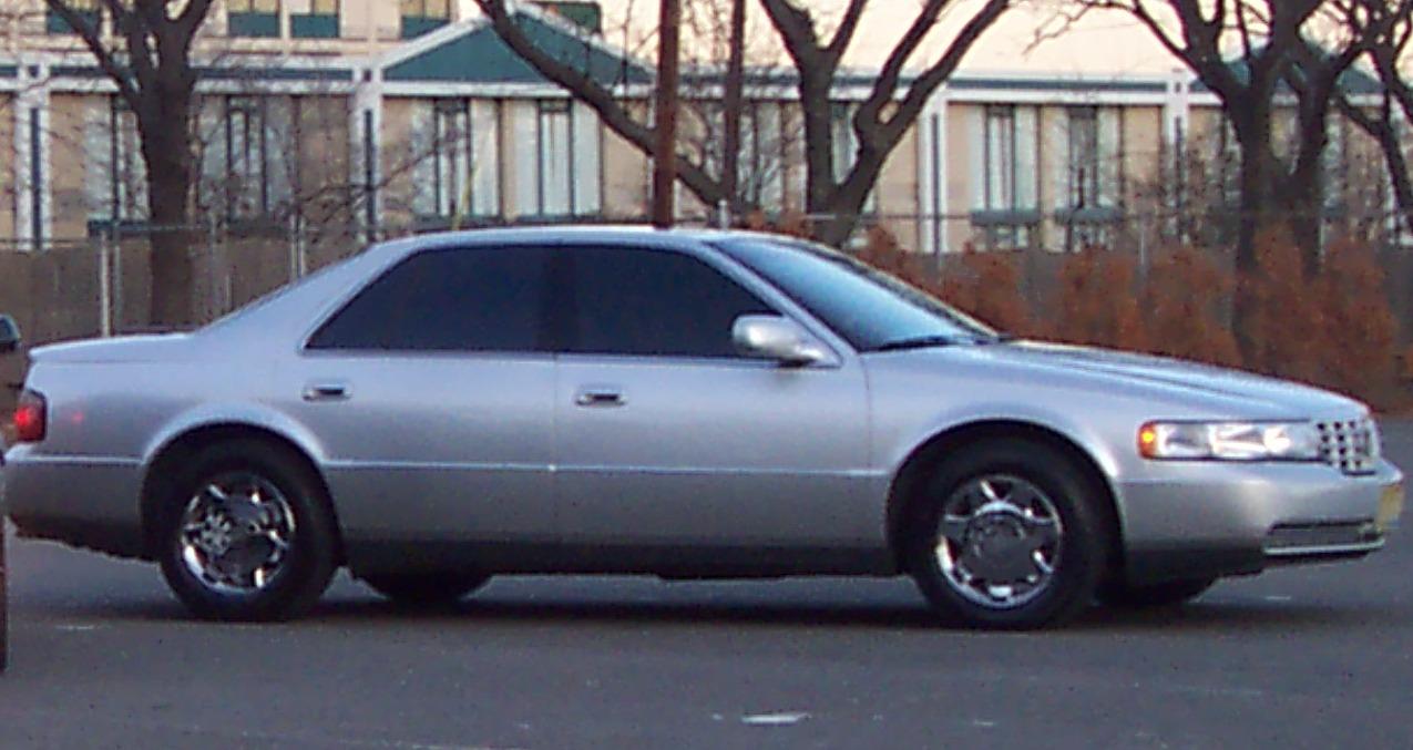 1999 Cadillac Seville Image 8
