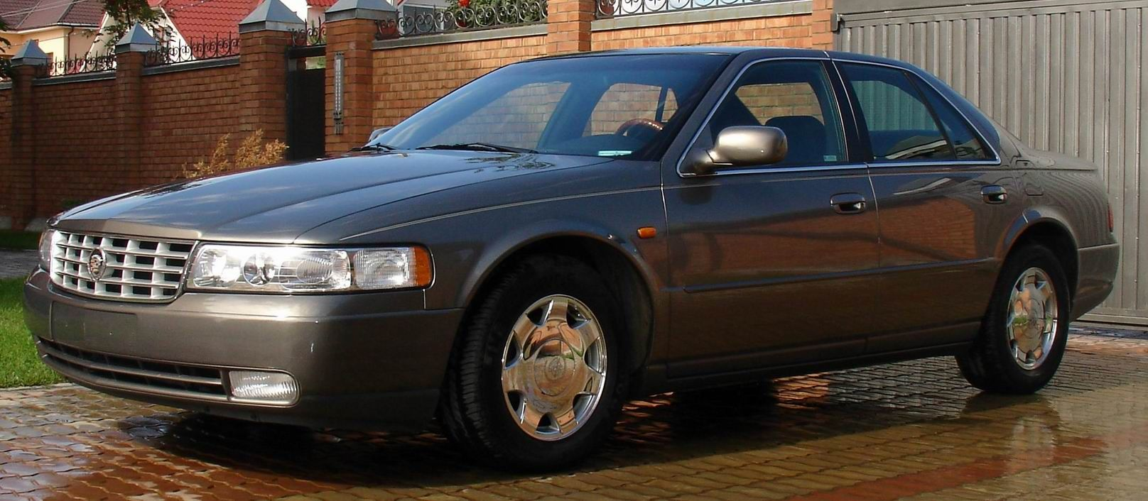 1999 Cadillac Seville Image 11