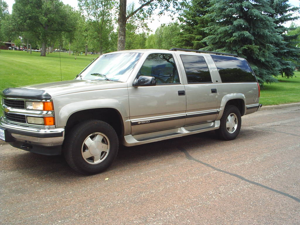 1999 Chevrolet Suburban Information And Photos Zombiedrive