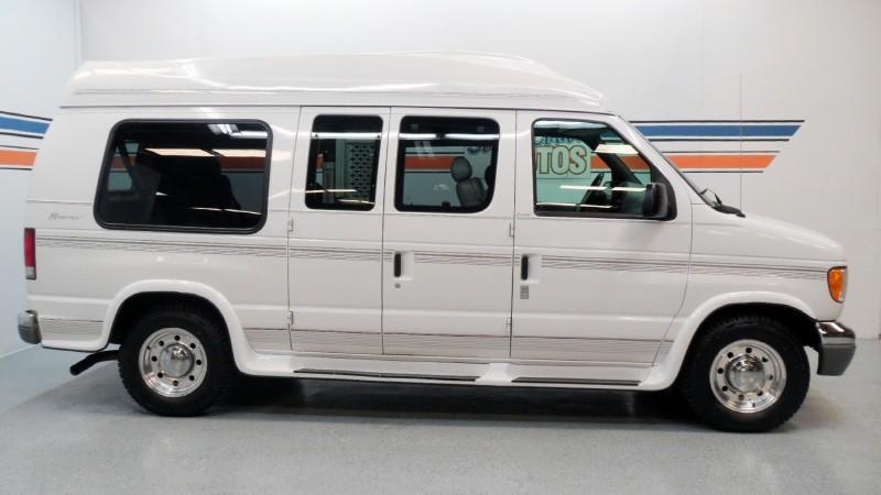 1999 Ford Econoline Cargo Image 4