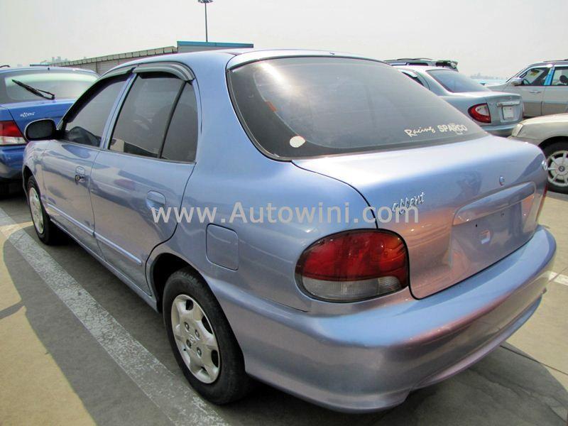 1999 Hyundai Accent 14