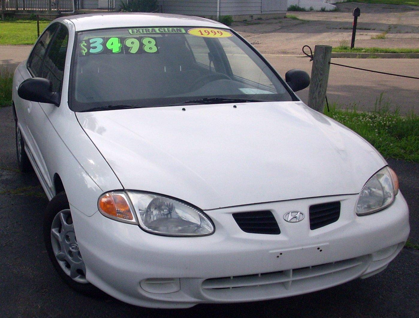 1999 Hyundai Elantra 8