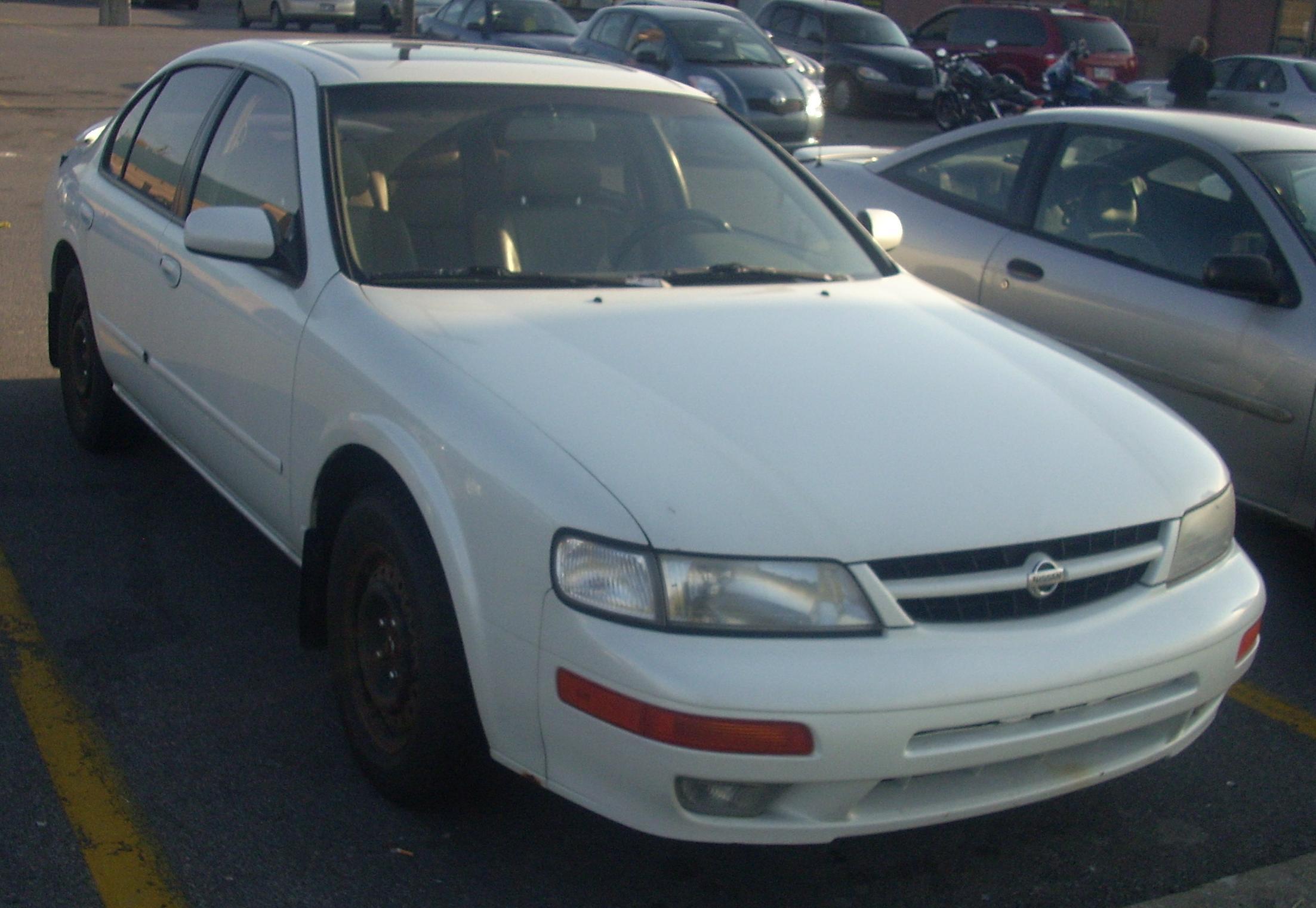 1999 Nissan Maxima 4