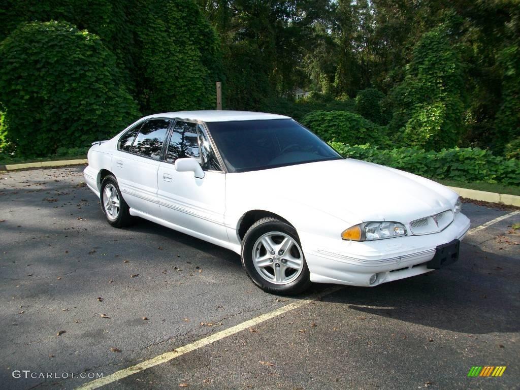 1999 Pontiac Bonneville 16