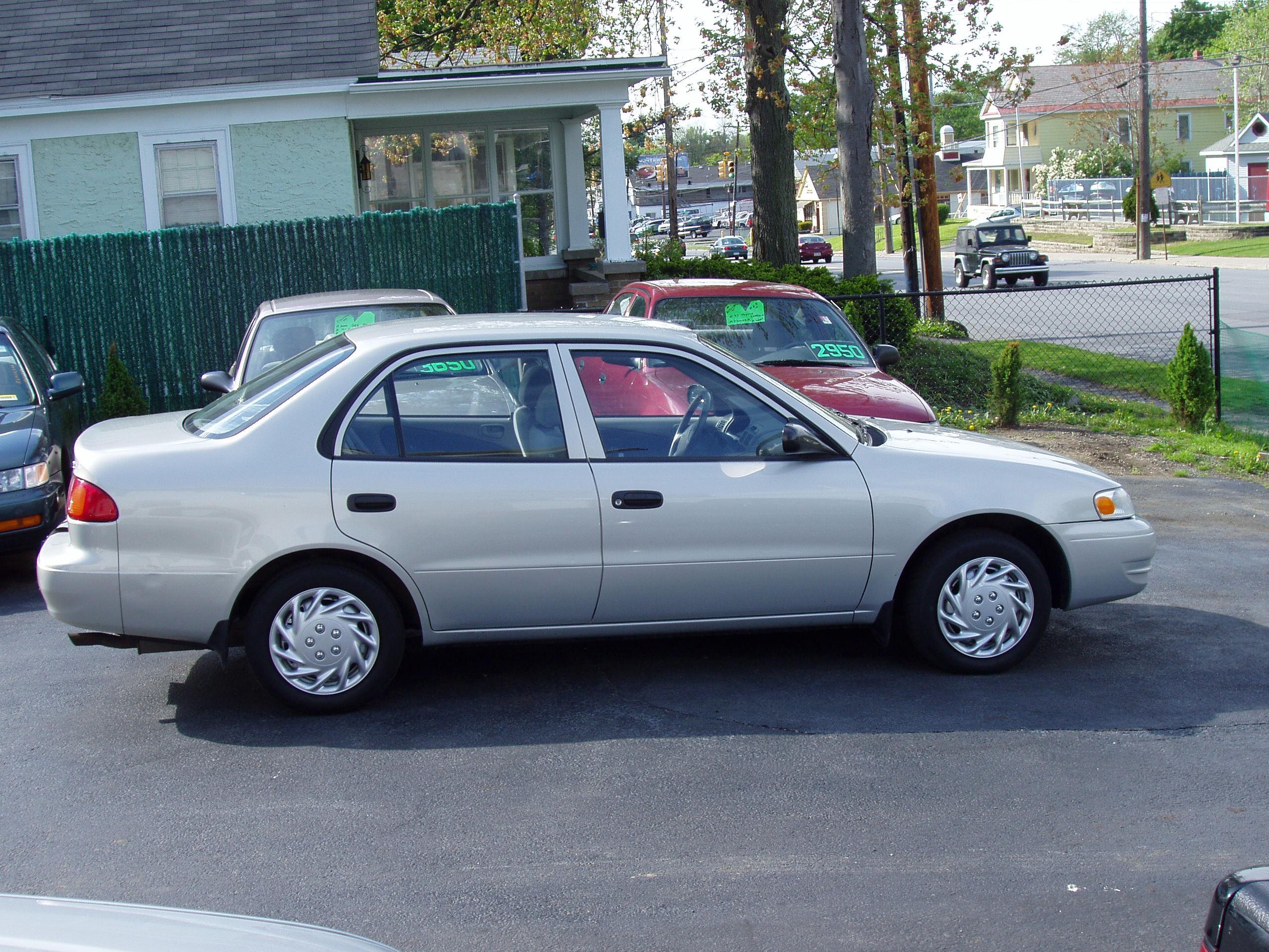 1999 Toyota Corolla Image 2