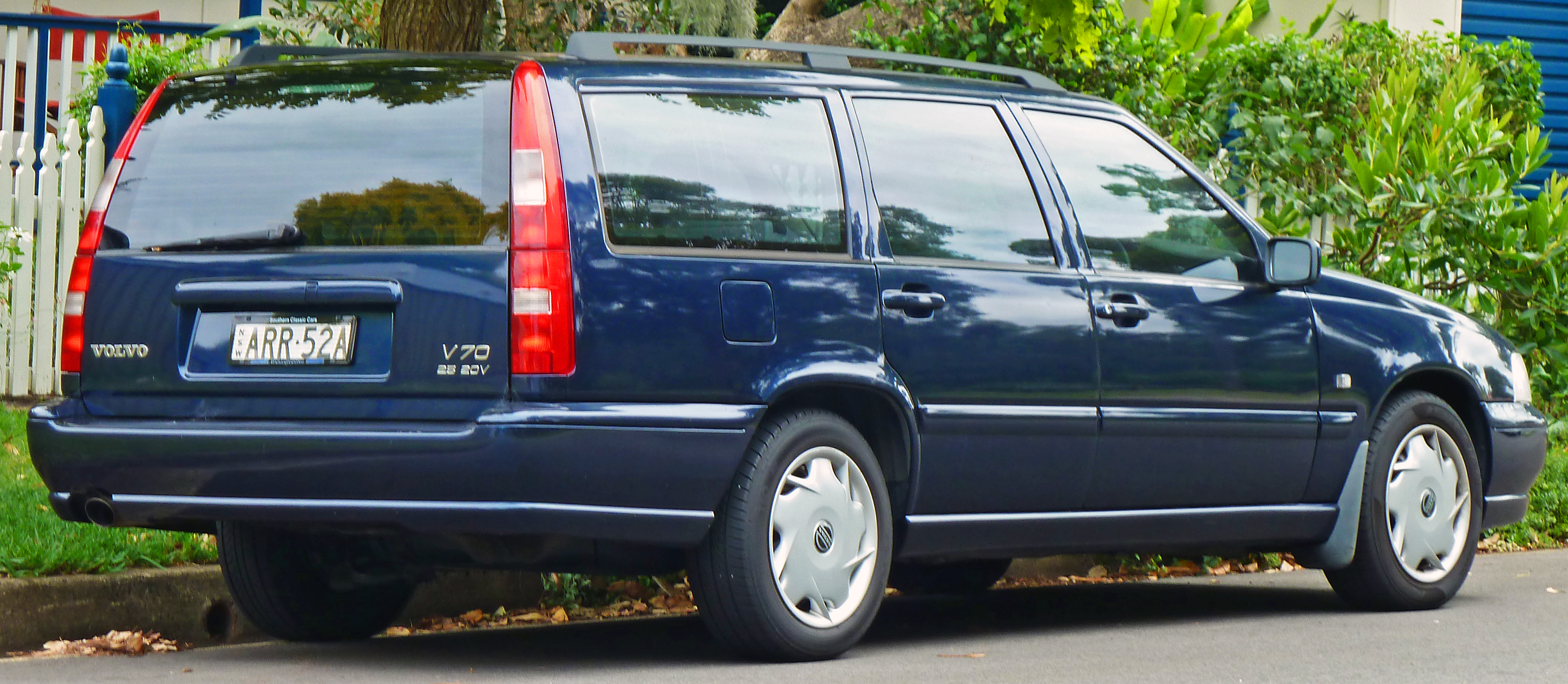 1999 Volvo V70 Image 14