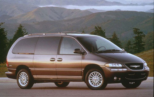 2002 Chrysler Town and Co exterior #2