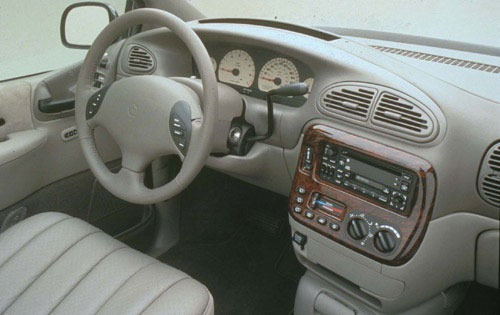 2002 Chrysler Town and Co exterior #4