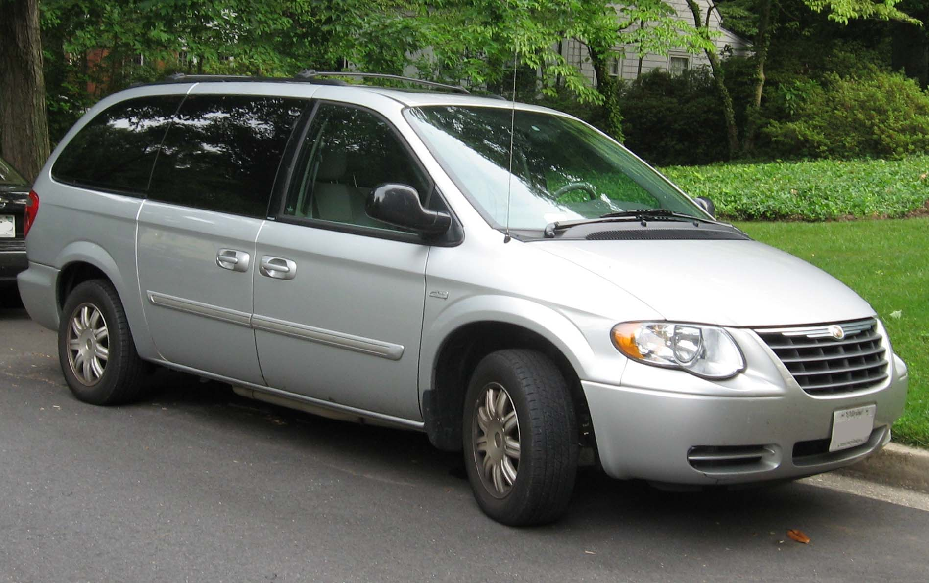 2000 chrysler town and country information and photos zombiedrive. Black Bedroom Furniture Sets. Home Design Ideas