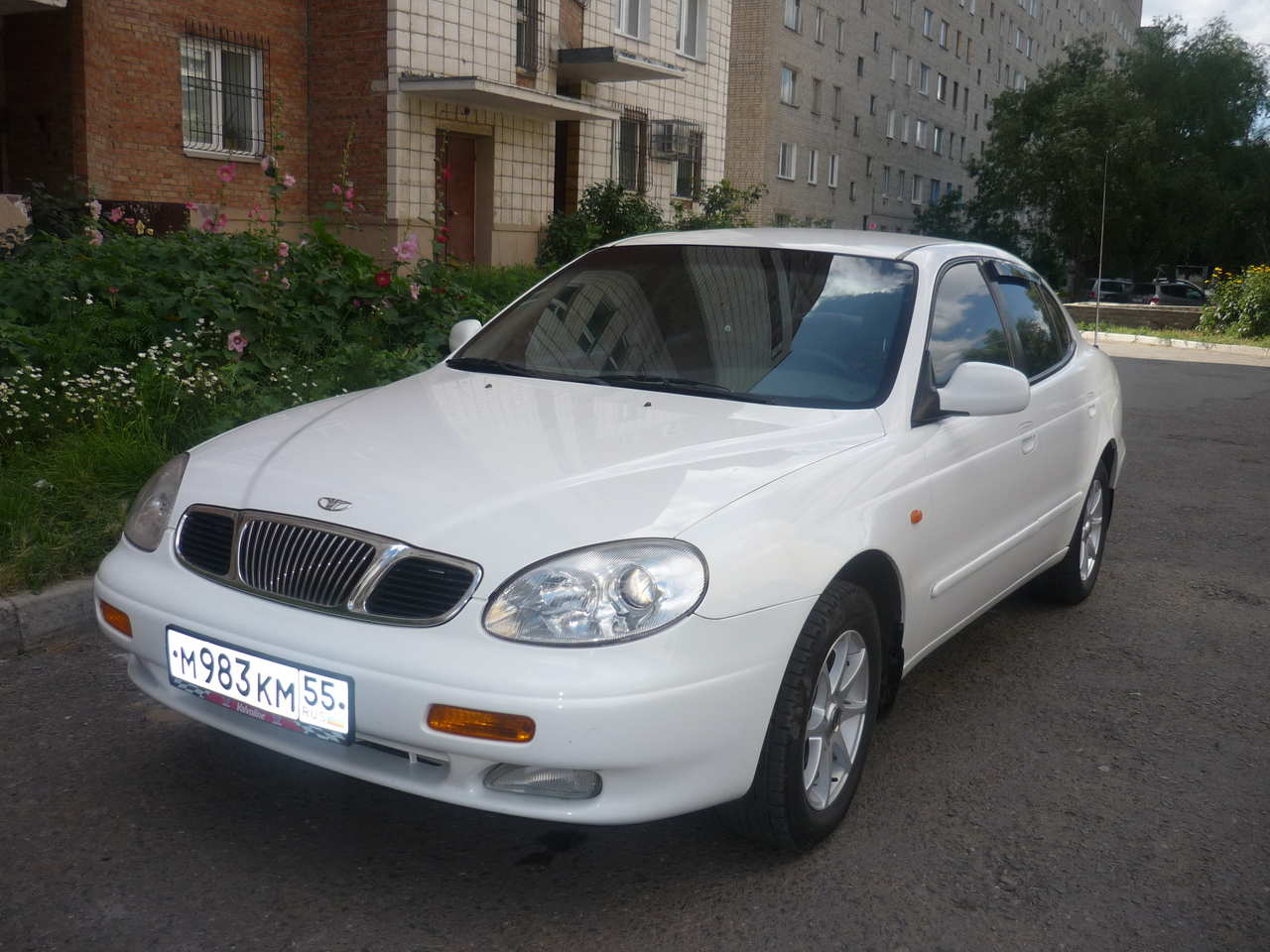 2000 Daewoo Leganza - Information and photos - ZombieDrive