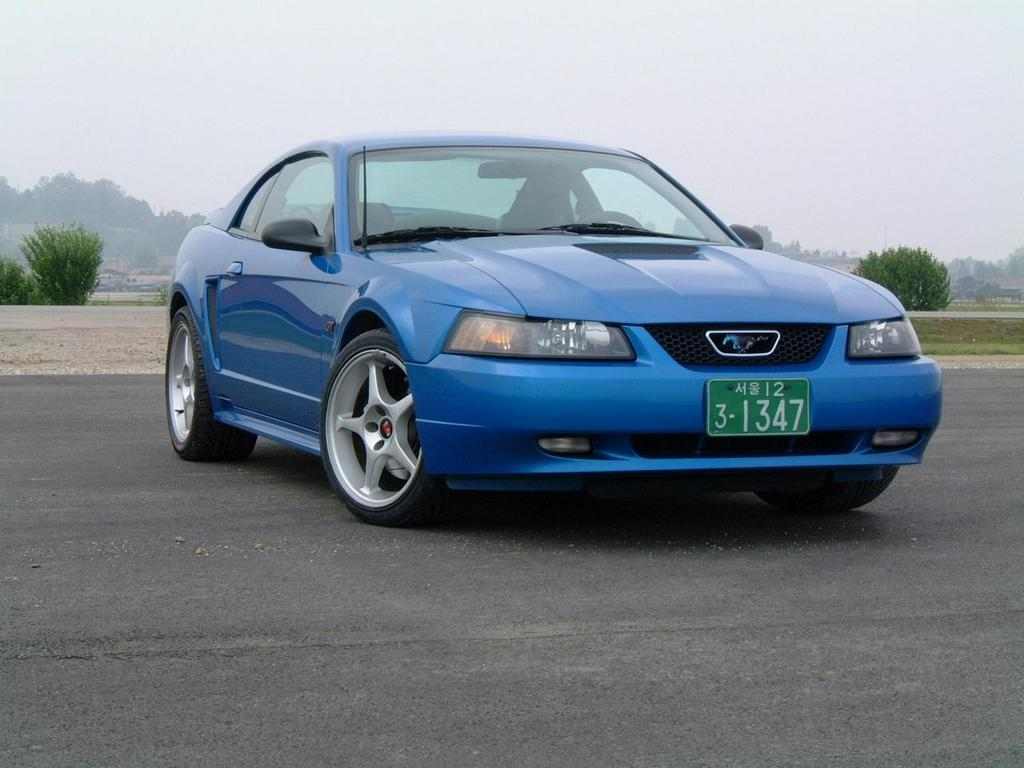 2000 Ford Mustang Image 10