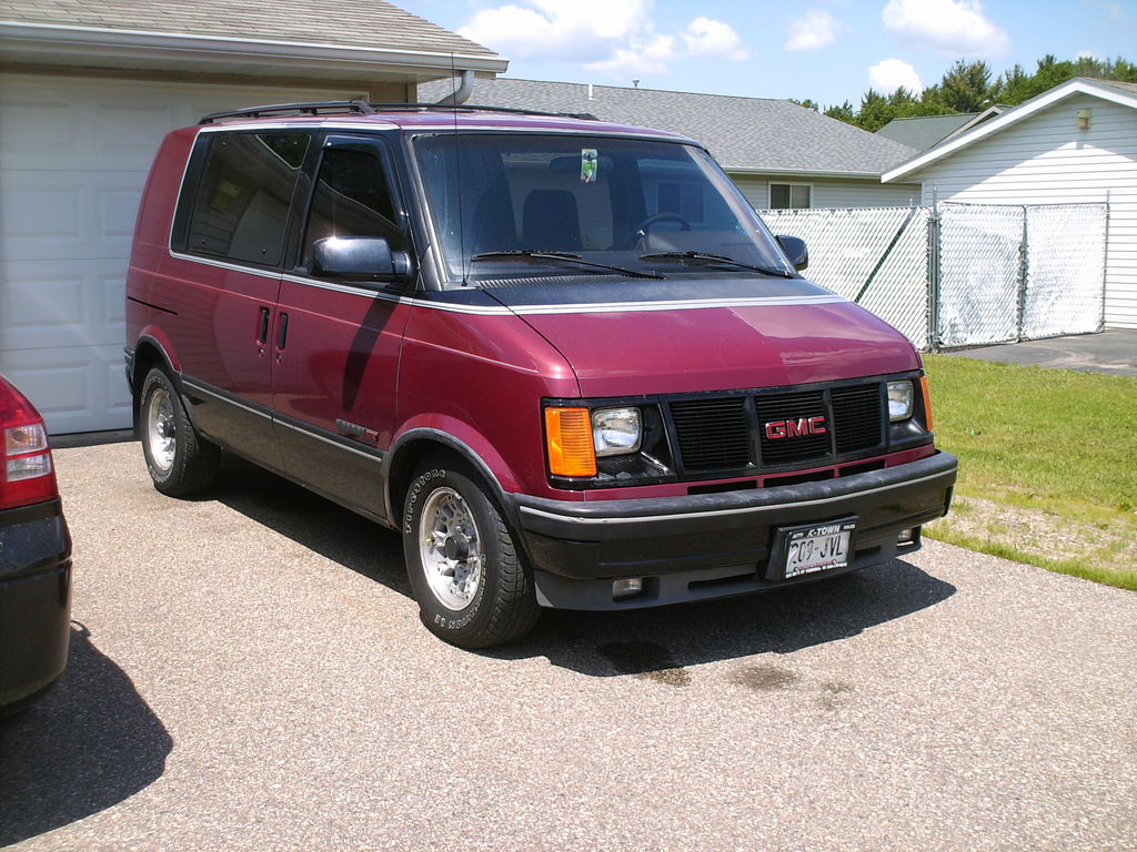 GMC Safari Cargo #3
