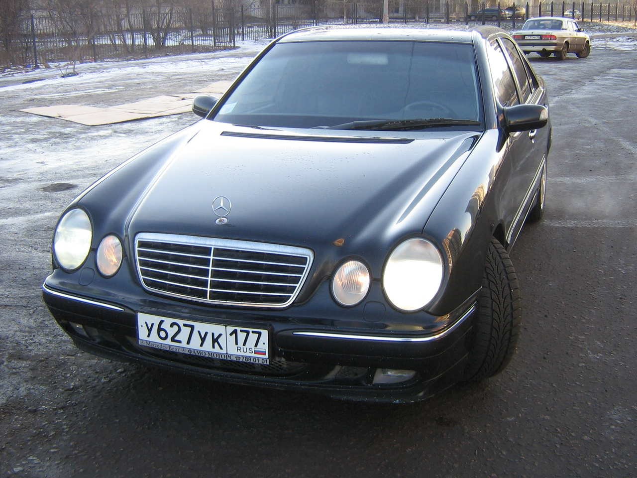 Service manual how to replace 2000 mercedes benz e class for Mercedes benz e320 service e
