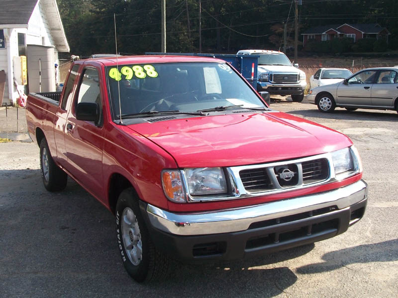 2000 Nissan Frontier Image 12
