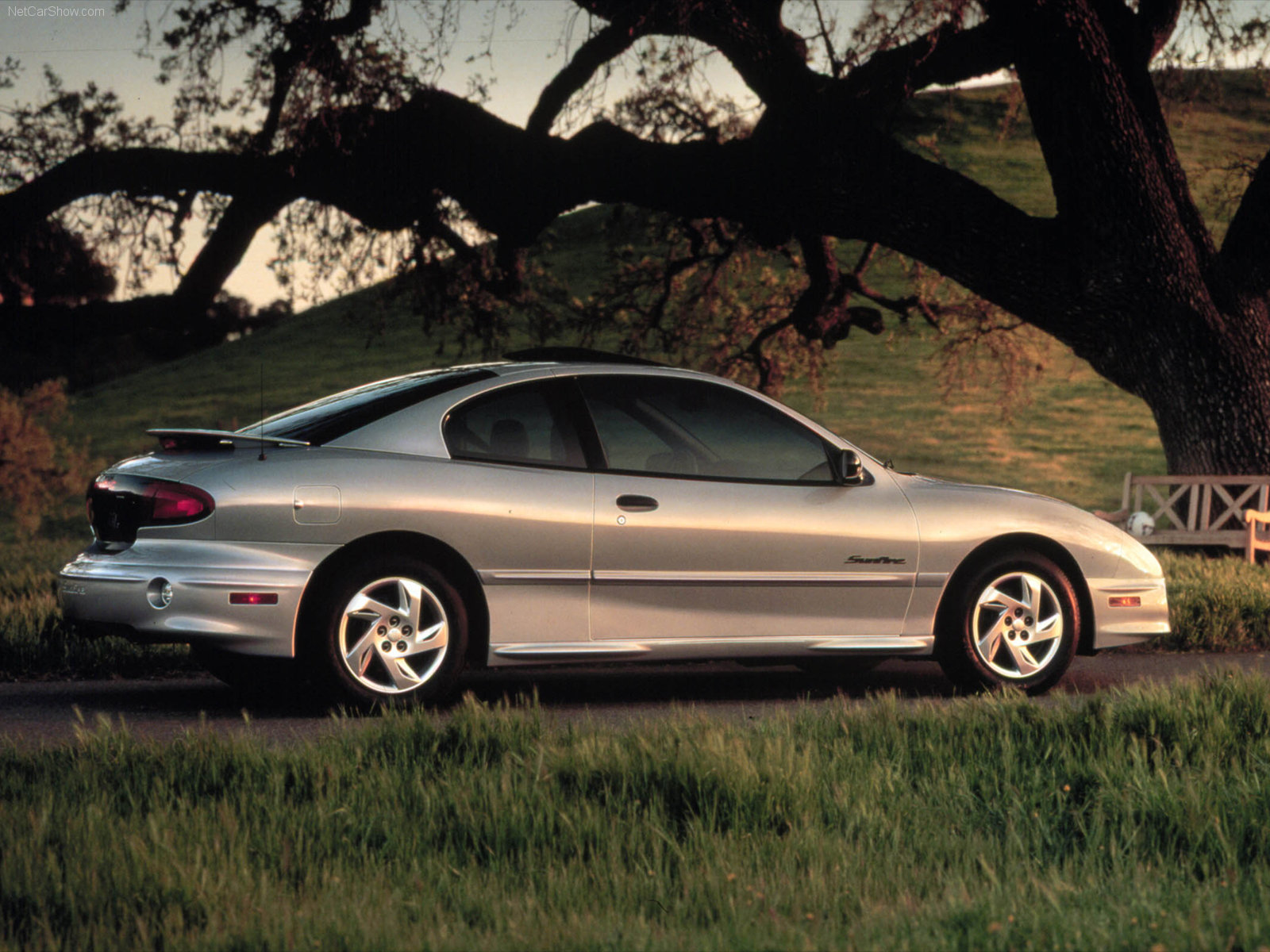 2000 pontiac sunfire information and photos zombiedrive. Black Bedroom Furniture Sets. Home Design Ideas